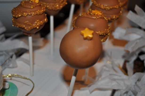 cake pops, christmas party, holiday party, gold theme, sweet table
