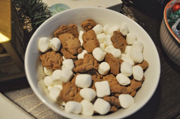 treats, teddy bears, smore inspired, mini marshmellows, christmas party, holiday party, gold theme, sweet table