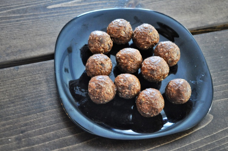 no bake, peanut butter, easy recipe, chocolate, cocoa powder, no bake peanut butter, energy balls, healthy snack, fast and easy healthy snack
