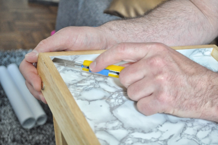 Diy, marble, tray, vinyl, craft, coffee table tray, desk tray, organizing hack, marble tray, fake marble, diy marble