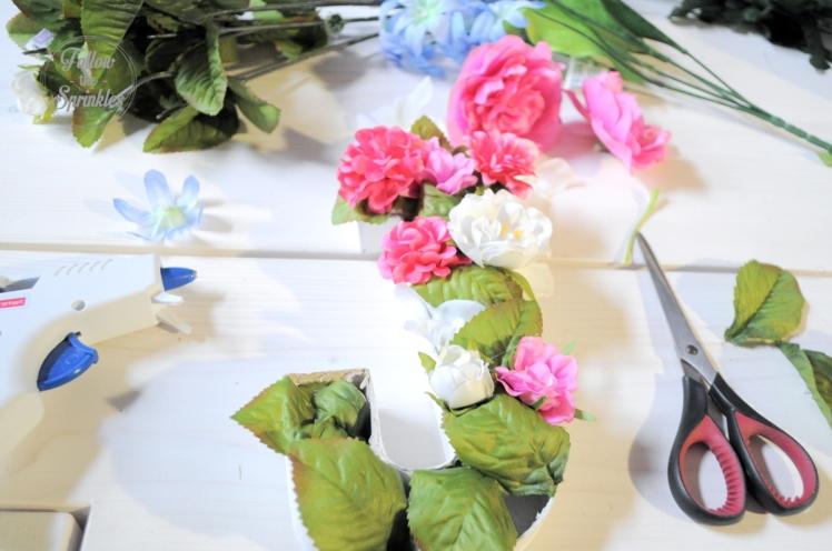 DIY flower box, monogram, flower letter, montreal blogger, montrealer, home decor