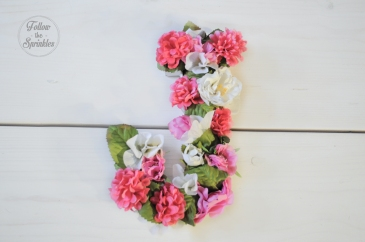 DIY flower box, monogram, flower letter, montreal blogger, montrealer, home decor
